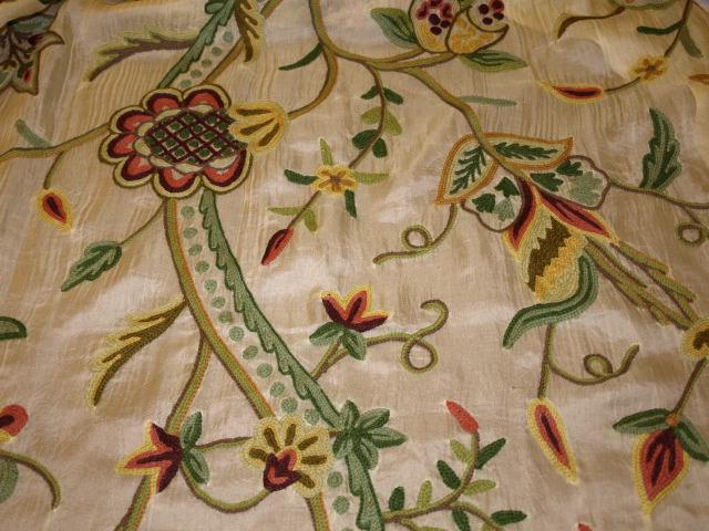 Ткань кашемир с вышивкой